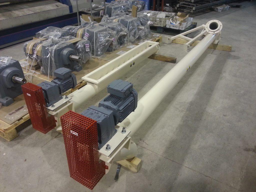 Weighing dosing auger