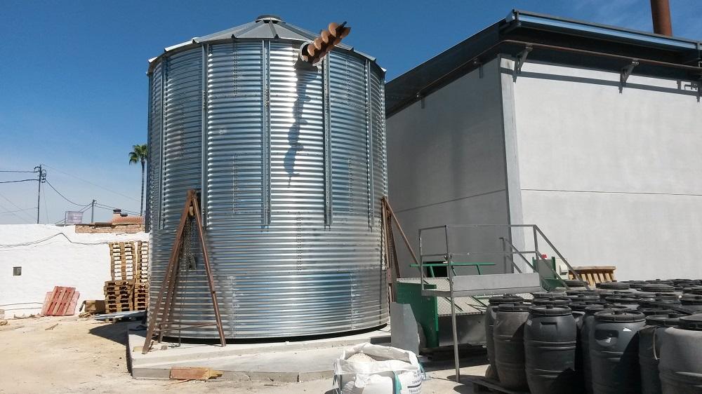 silo biomasa + sinfín superior de carga
